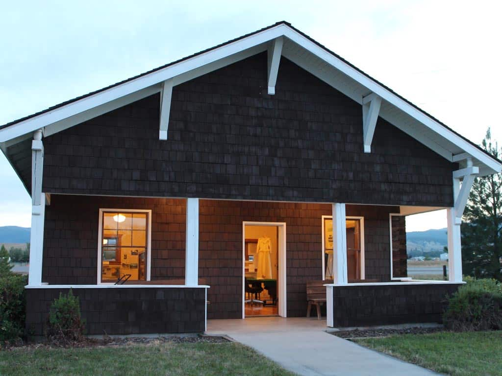 Bungalow Ranger Station Cabin Open House
